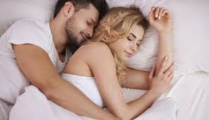 Lovely Couple In Bed Lying In Bedroom Cute Things To Do While Cuddling And What To Avoid Enkirelations