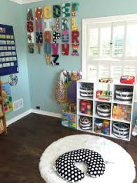 Daycare Room Dividers - 25 creative ideas for using bookshelves as room dividers