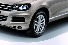 tiguan volkswagen lights new 2011 vw touareg gets hybrid autotribute
