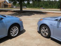 toyota camry hybrid vs hyundai sonata hybrid jeffcars com your auto industry connection battle of the midsize