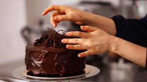 How to Make White Chocolate Cake Decorations