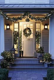 Homes Decorated For Christmas Best 25 Christmas Porch Decorations Ideas On Pinterest