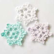 12 crochet snowflake patterns for decorating