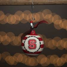 32 best christmas in red and white images on pinterest north