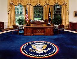 bureau president americain le meuble du bureau ovale offert par la reine noblesse