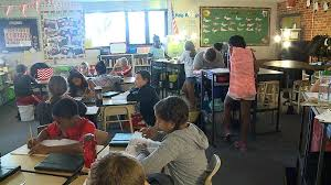 Standing Desks For Students Schools Experiment With Stand Up Desks For Students