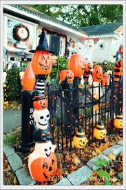 Decorating Your House For Halloween by Best 25 Halloween Yard Displays Ideas On Pinterest Sleepy