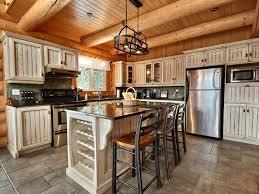 chalet cuisine cuisine chalet top maison en bois chalet au carroz en hautesavoie