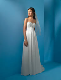 wedding dresses for outdoor weddings wedding dresses you can afford to look at and outdoor