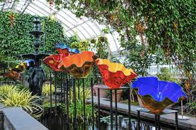 Botanical Garden Pictures by Chihuly Glass Exhibit Blooms In The Bronx Chicago Tribune
