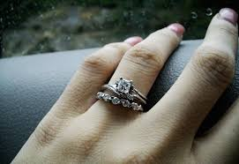 how to find a wedding band do wedding rings need to match engagement rings