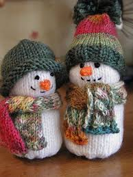 ohhhh their hats and his cabled scarf my knitty fingers