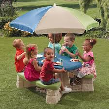 step 2 folding picnic table step2 outdoor picnic table with umbrella for the home pinterest