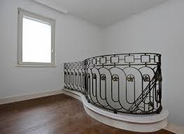 ringhiera per scala balaustra scala e ringhiere per balconi balaustre in ferro