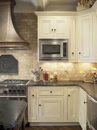kitchen travertine backsplash tumbled travertine backsplash designs