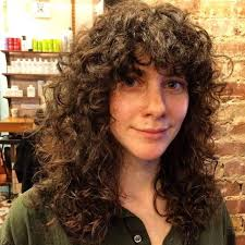 70 s style shag haircut pictures best 25 curly shag haircut ideas on pinterest bangs curly hair