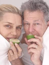 where dod yolana get lime disease real housewives yolanda foster lisa rinna post lyme disease