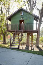 Simple Backyard Tree Houses by 185 Best Tree House Images On Pinterest Treehouses Architecture