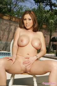 exotic milf kiana dior with massive and neat poses