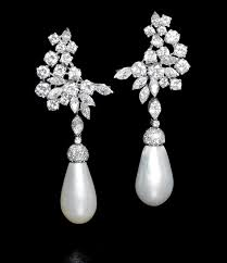 pearl and diamond earrings bonhams auction house witnesses surge in sales of pearl