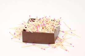 pink tip wooden matches for wedding matchhouse making