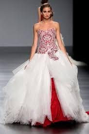 robe de mari e original robe de mariée et ivoire d occasion avec étole et jupon