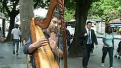 Ruas do Rio de Janeiro atraem músicos de toda a América Latina