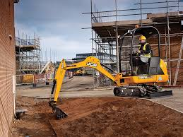 the class leading high performance 8016 cts mini excavator