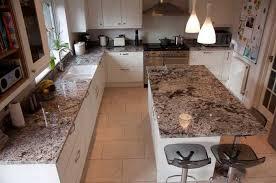 arbeitsplatte küche granit die besten 25 granit arbeitsplatte ideen auf kuche