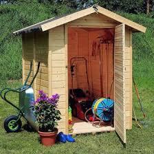 petit chalet de jardin pas cher petit abri de jardin en bois pas cher les cabanes de jardin