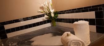 hotel in milwaukee ambassador hotel milwaukee wi whirlpool room whirlpool king whirlpool room bathroom