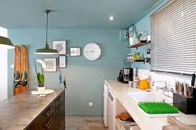 couleur de cuisine cuisine aux murs bleus