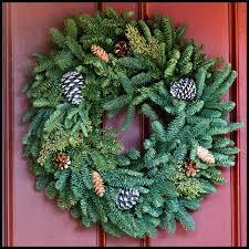 lighted christmas wreath outdoor christmas wreaths outdoor lighted wreaths lighted outdoor