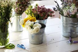 flower arranging for beginners bloom online flower arranging for hobby or professional