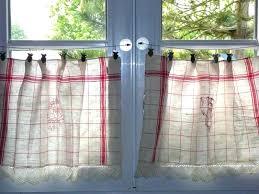 petit rideau de cuisine amazing petits rideaux id es s curit la maison in petit rideau de