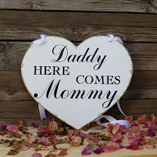 amazon com daddy here comes mommy wedding sign flower sign
