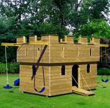 Backyard Play Forts by 79 Best Children U0027s Tree House U0027s And Forts Images On Pinterest