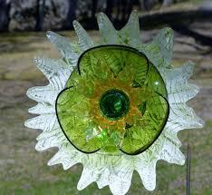 Glass Garden Decor 2647 Best Yard Art Glass Images On Pinterest Yard Art Glass
