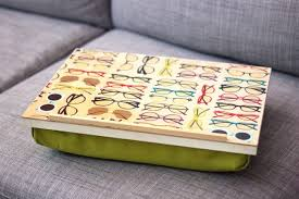 Cushioned Lap Desk by How To Make A Pillow Lap Desk Lap Desk Craft And Woodworking