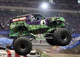 monster truck jam chicago monster jam marks 20th anniversary in alamodome san antonio