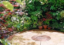ideas for very small gardens mixed with some beautiful furniture