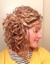 shoulder length layered natural curly haircuts with front and back pictures best 25 medium length curly hairstyles ideas on pinterest curly
