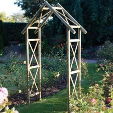 7 garden structure ideas to enjoy your outdoor space more