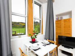royal mile 5 mins walk free parking wifi central 557467
