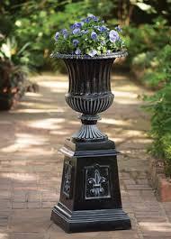 Pedestal Pots Charleston Gardens