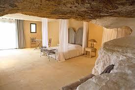 troglodyte chambre d hote luxueuse chambre d hôtes troglodyte au clos sourde en provence