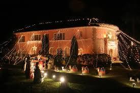 christmas light displays los angeles huge christmas lights on house st albans road in san marino