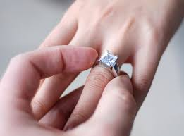 engagement rings that fit into wedding bands tags best place to - Best Places To Buy Engagement Rings