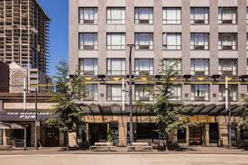 ramada vancouver downtown vancouver hotels bc v6z 1m6