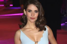 she she alison brie says she was asked to take her top off during entourage